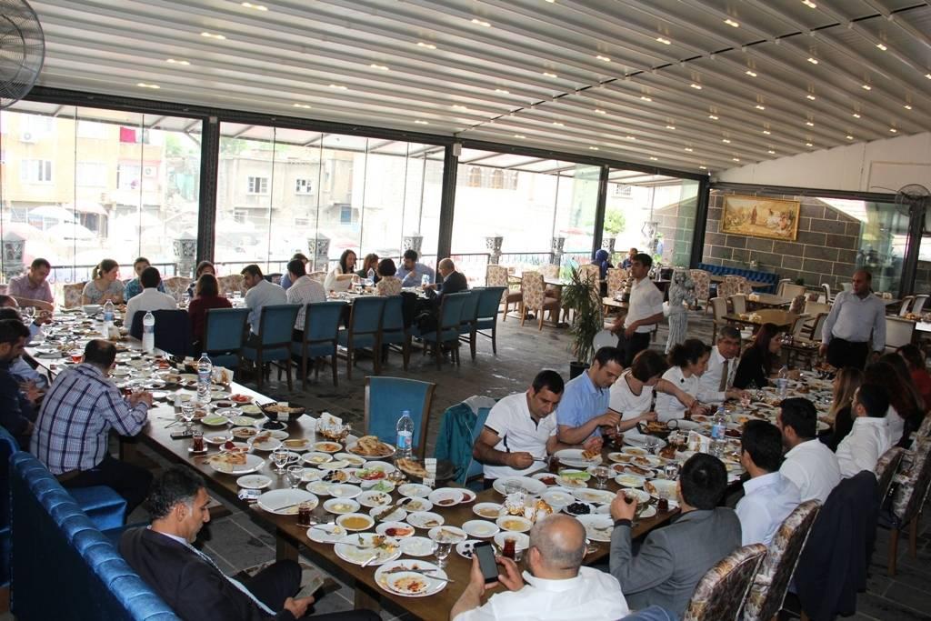 Diyarbakır Barosu Kamu Avukatları ile kahvaltıda bir araya geldi..
